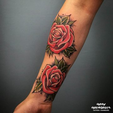 Neotraditional Roses Rose Rosen Tattoo_Harry Hafensänger HH Tattoo Hamburg