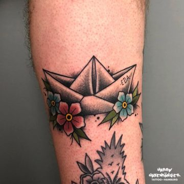 Traditional Oldschool Paper Boat Papierschiff_Harry Hafensänger HH Tattoo Hamburg