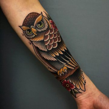 Neotraditional_Owl_Tattoo_Eule_Oldschool-Harry_Hafensänger-HH-Tattoostudio_Hamburg