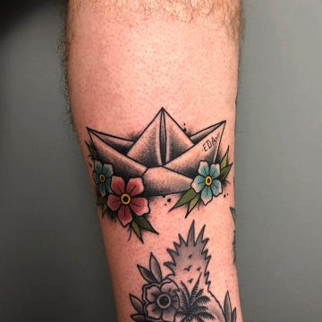 Traditional_Paperboat_Tattoo_Oldschool-Harry_Hafensänger-HH-Tattoostudio_Hamburg