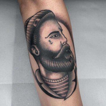 black-traditional-seemann-sailor-tattoo-oldschool-hamburg-tattoostudio-harry-hafensänger-holy-harbor