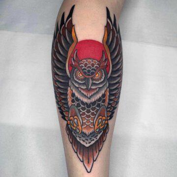 traditional-eule-owl-tattoo-oldschool-hamburg-tattoostudio-harry-hafensänger-holy-harbor