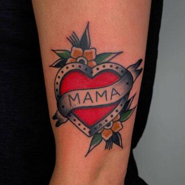 traditional-herz-heart-tattoo-oldschool-hamburg-tattoostudio-harry-hafensänger-holy-harbor