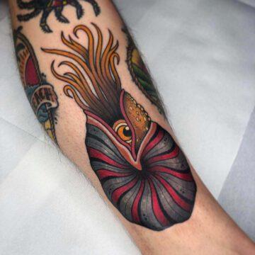 traditional-nautilus-tattoo-oldschool-hamburg-tattoostudio-harry-hafensänger-holy-harbor