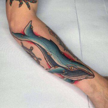 traditional-wal-whale-tattoo-oldschool-hamburg-tattoostudio-harry-hafensänger-holy-harbor